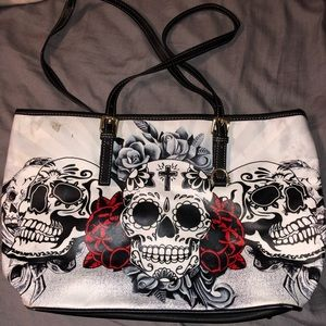 Skul and roses purse